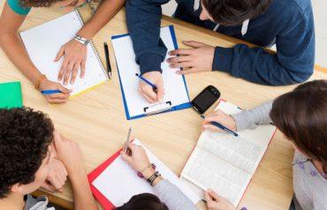 Các từ vựng dễ gây nhầm lẫn trong SAT Writing